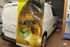 JB-Eye van wrapping beginning